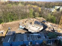 Cracow. Strange decision. Voivodship officials revoked the demolition order for the illegal building at ul. Redoubt